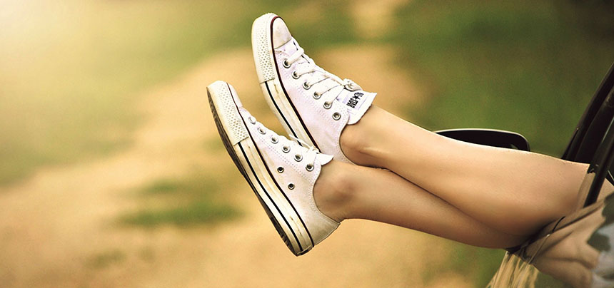 relax happy summer_feet